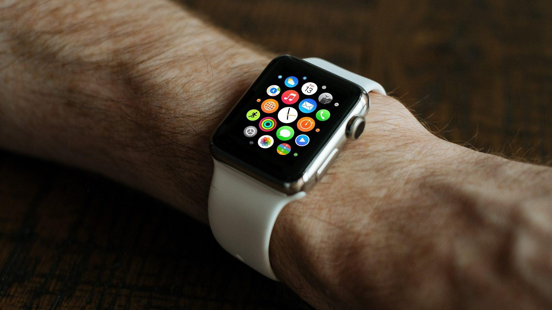 smart-watch-821559_1920 (1)